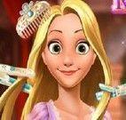 Rapunzel princesa no cabeleireiro