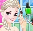 Elsa pintar unas mão e pé