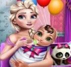 Mamãe Elsa e bebê