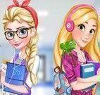 Elsa e Rapunzel na escola
