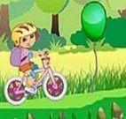 Andar de bicicleta com a Dora