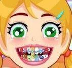 Colocar aparelho nos dentes da menina