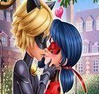 Beijo apaixonado Miraculous