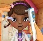 Cuidar dos olhos da Doutora dos Brinquedos