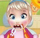 Bebê Elsa no dentista