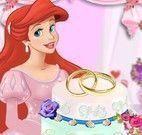 Ariel decorar bolo do noivado