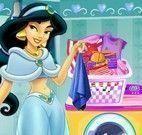 Jasmine lavar roupas