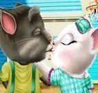 Angela e Tom beijo dia dos namorados