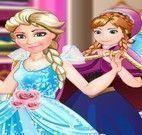 Anna costurar roupas da Elsa