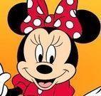 Minnie comer queijos