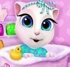 Bebê Angela na banheira