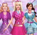 Barbie na escola achar letras