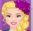 Garota pintar cabelos