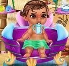Moana bebê no banho