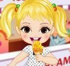 Roupas da menina na sorveteria