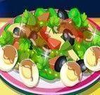 Preparar salada para família