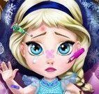 Cuidar da bebê Elsa no médico