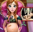 Anna grávida no hospital