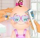 Bebê médico dos olhos