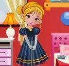Anna bebê limpeza do quarto