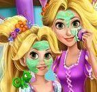 Rapunzel mãe e filha no spa