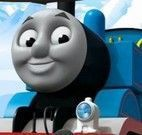 Dirigir trem Thomas na neve