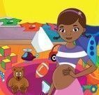 Doutora Brinquedos grávida arrumar quarto