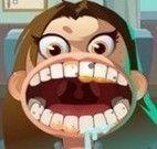 Garoto cuidar dos dentes