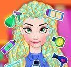 Elsa no cuidar dos cabelos