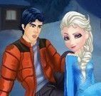 Elsa beijar namorado