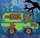 Carro do Scooby Doo na estrada