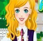 Menina vestida para escola